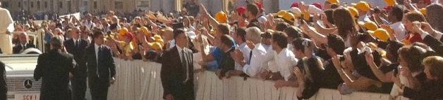 Pope-crowd