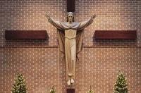 risen-christ-cross_Fotor